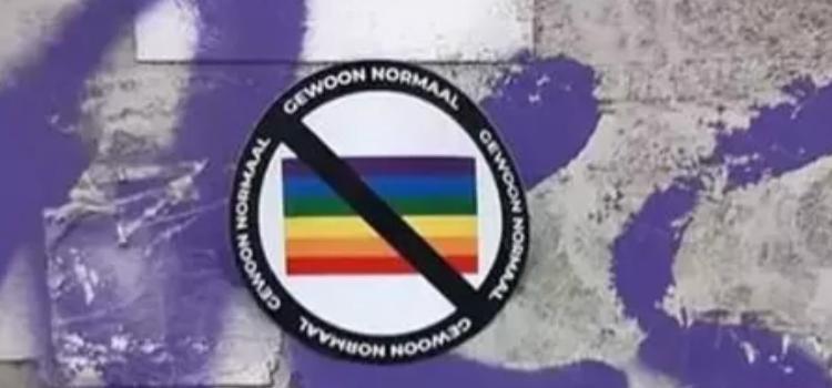 Vlaams Belang weigert homofobe stickers te veroordelen