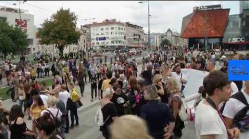 Video: Eerste gaypride in Sarajevo rustig verlopen