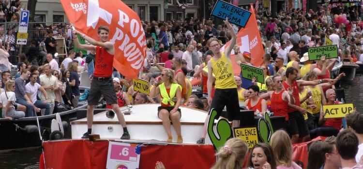 Begin mei duidelijkheid of er een botenparade komt tijdens 25 jaar Amsterdam Pride