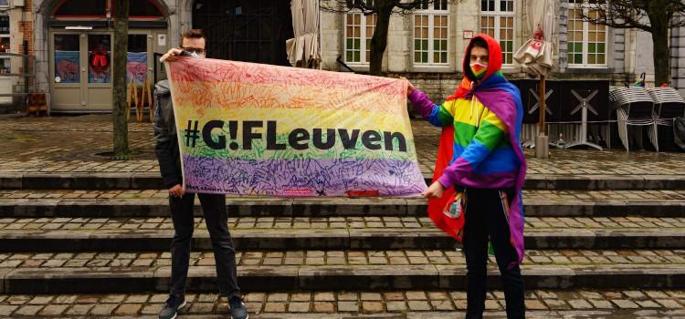 IDAHOT:Gays! & Friends verbindt mensen via postkaarten