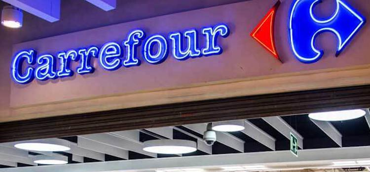 Carrefour stopt met adverteren op Poolse extreem-rechtse site