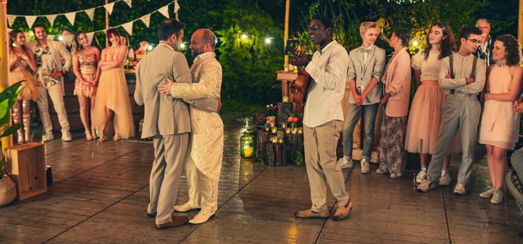 Gunther Levi en Sven de Ridder trouwen in laatste aflevering van #LikeMe