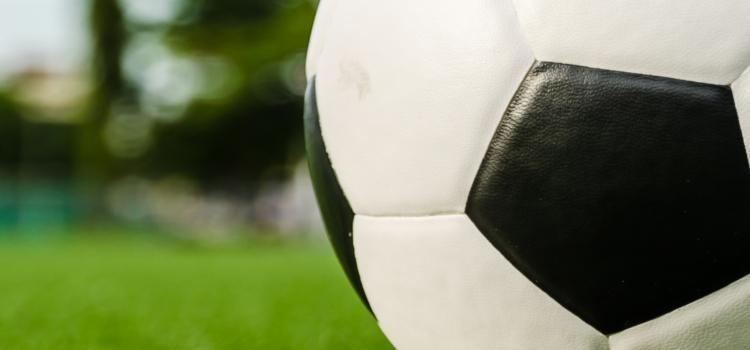Video-verslag:Plan moet homofobie in het voetbal tegengaan