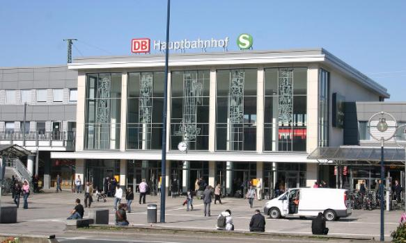 Jongeren proberen transvrouwen te stenigen in Dortmund