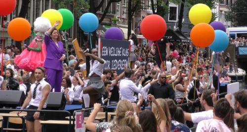 Video: Amsterdamse Canal Pride verloopt zonder probl...
