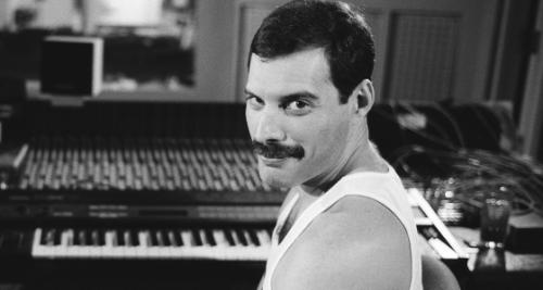 Video: Verjaardag Freddie Mercury gevierd met nieuwe...