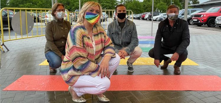 IDAHOT: Sint-Truiden heeft opnieuw een regenboogzebrapad