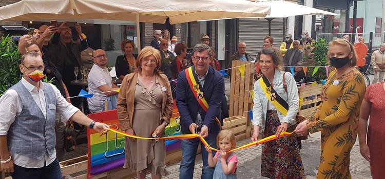 Oostends regenbooghuis opent de deuren